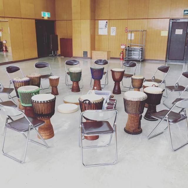 明日2/18(土)10:30〜竹園交流センターにて、ドラムサークルです!先月お休みだったので2ヶ月ぶりの開催。大人も子どもも、みんなで輪になって楽しく叩きましょう♪#drumcircle #ドラムサークル #つくば #percussion