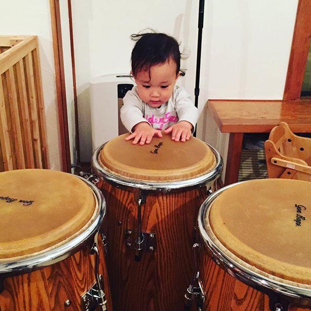 こんなときもあったな〜。約2年前。子どもの2年って、すごいな#conga #tumbadoras #percussion #gonbops
