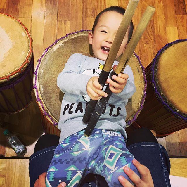 今日は筑西のアフリカンダンスサークル「ブレスオブアフリカ」さん、生演奏サポートでした!これから#ジャンベ クラスもやります♪#djembe #doundoun #westafrica #guinea #bogolanmarket #ibaraki #tsukuba #筑西市 #つくば #music #africandance #africa #kid #kids
