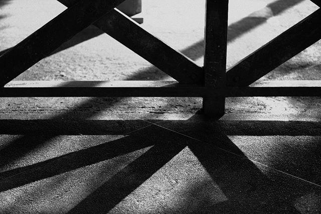 #snap #dailysnap #スナップ #スナップ写真 #shadow #shadows #monochrome #monotone #つくば #tsukuba #ibaraki  #ファインダー越しの私の世界 #写真好きな人と繋がりたい #igersjp #phos_japan #pics_jp #art_of_japan #tokyocameraclub #影